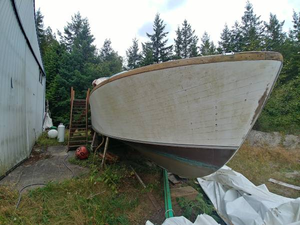 Photo Wooden, Liveaboard,Project Boat 1954 Harco Classic Power Boat - $1,000 (Coyle Road)