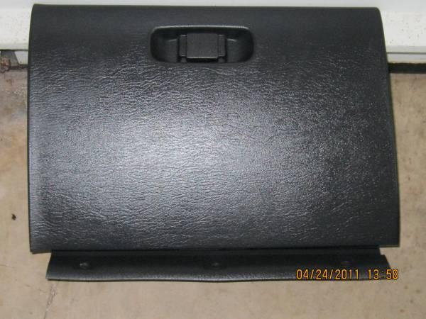 Photo 2000-2005 DODGE NEON- GLOVE BOX LID- - $15 (NEW OXFORD)