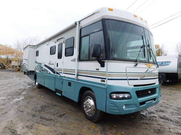 Photo 2004 04 Winnebago Adventurer 37B Class A Motorhome RV - $32,000 (Williamson)