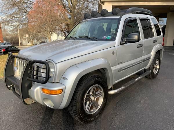 Photo 2004 JEEP LIBERTY - RENEGADE - 4WD - 3.7L V6 - 5-SPD - RUNS GREAT - $6995 (YORK, PA)
