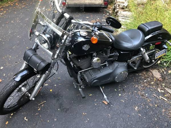 Photo 2012 Harley Davidson Dyna Wide Glide - $8,500 (Dover)
