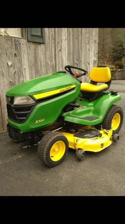 Photo 2014 John Deere X320 - $3000 (York)