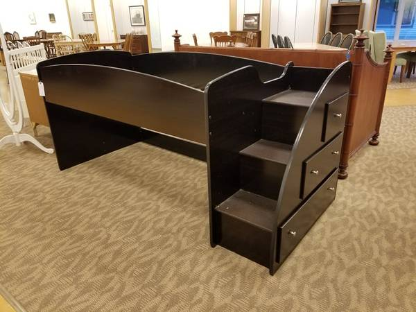 Photo Ashley Furniture Twin Size Loft Bed - $225 (Gettysburg)