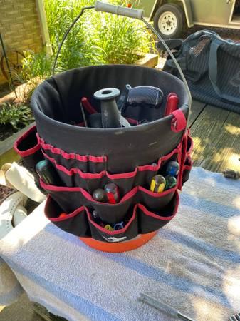 Photo Bucket buddy with tools - $50 (Delta)
