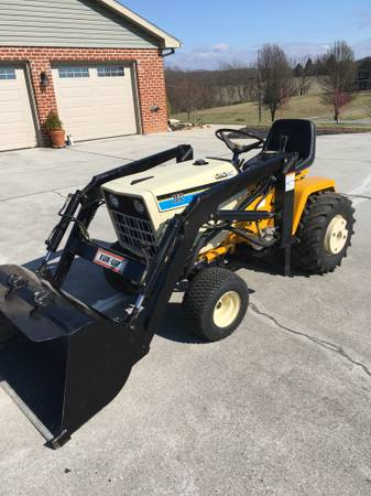Photo Cub Cadet 2072 with Loader - $3200 (Spring Grove, Pa)