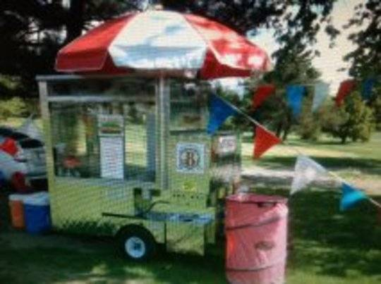 Photo Fully Enclosed Food Service - Hot Dog - General Retail Cart - $6500 (Apollo)