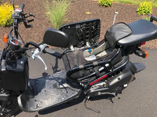 Photo Honda Ruckus - $2,600 (Seven Valleys)