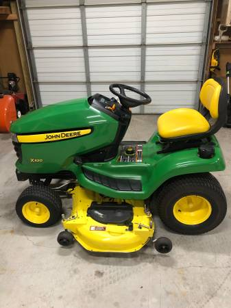Photo John Deere X320 LawnGarden Tractor - $2900 (Thomasville)