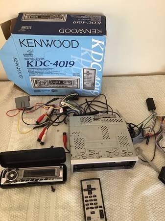 Photo Kenwood car stereo, KDC-4019 - $50 (York)