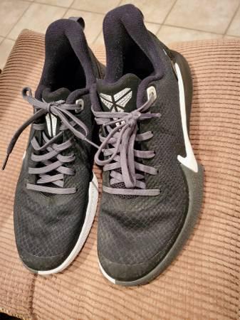 Photo Men39s Nike size 7 basketball shoes - $15 (York, PA)