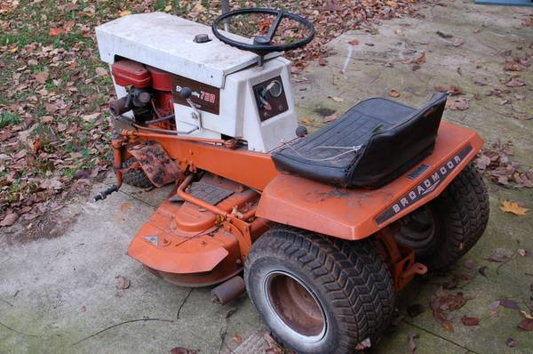 Photo PARTING OUT Simplicity 728 Broadmoor Tractor Mower (Glen Rock)