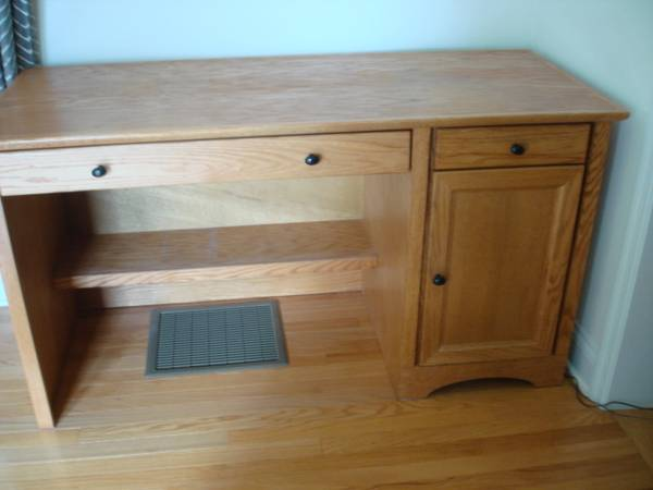 Photo Solid Wood Computer Desk or Desk 57quotW 30quot H 24quotD (hanover pa)