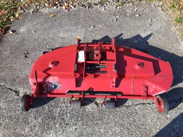 Photo Toro Wheel Horse Mower Deck 4839 - $400 (malvern)