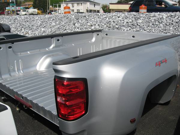 Photo Used 14-16 Chevy dually truck bed - $2,495 (York , Pa)