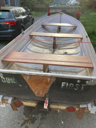 Photo Vintage Jon Boat with Trailer - $1,200 (Roland Park)