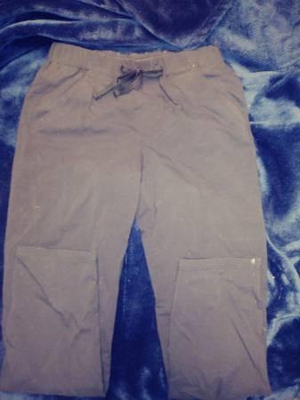 Photo Water repellent snow pants 78 black - $5 (Red lion)