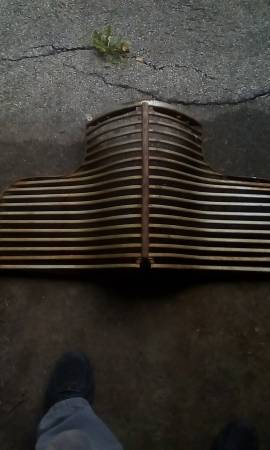 Photo 1940 Chevy coupe grill - $300