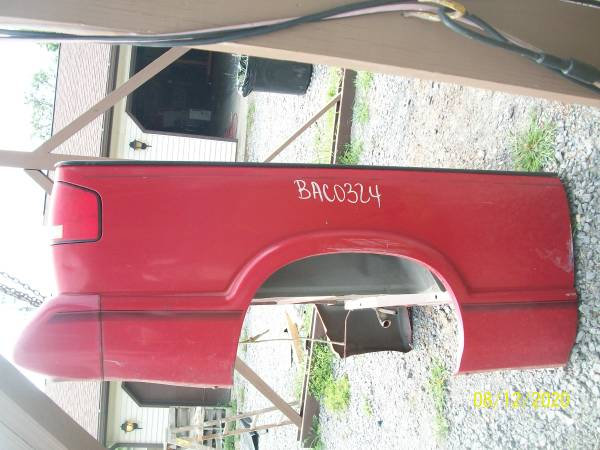 Photo 1994 to 2004 Chevy S10 or GMC Southern Truck Box - $700 (Greenville)