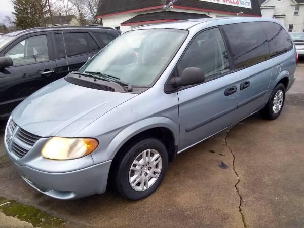 Photo 2005 Dodge Grand Caravan - $2300 (Gary Glass Auto Sales, Youngstown Ohio)