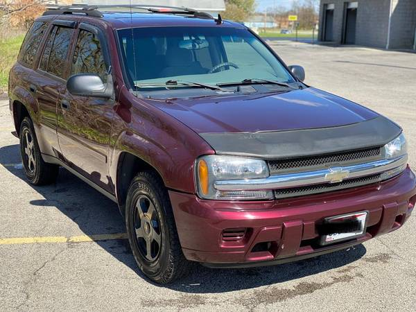 Photo 2006 Chevrolet Trailblazer LS - $4000 (Austintown)