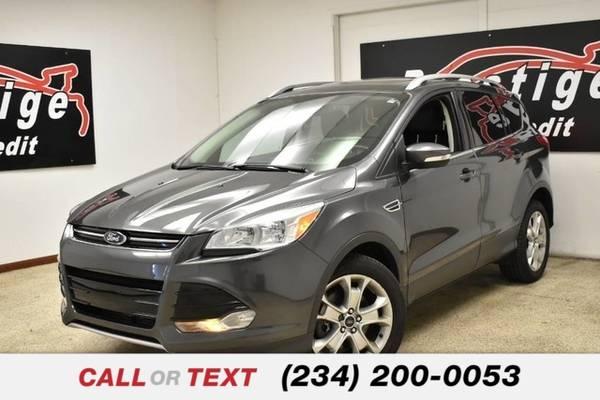 Photo 2016 Ford Escape Titanium - $15,984 (1501 Vernon Odem Blvd Akron OH, 44320)