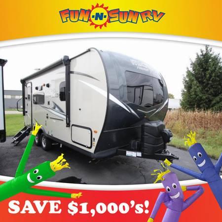 Photo 2021 Flagstaff Micro Lite 21FBRS Travel Trailer RV Cer - $22,460