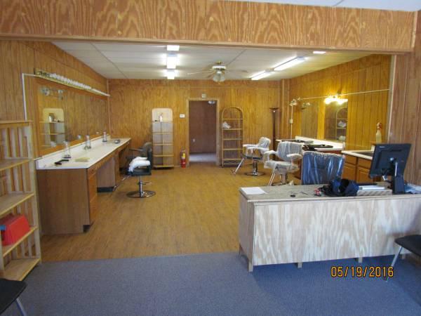 Photo Beauty Salon  Nail Salon - $495 (New Castle, PA)