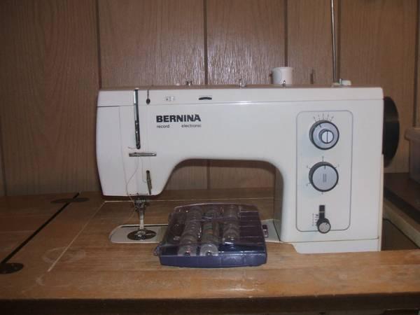 Photo Bernina Record 830 Sewing Machine - $400 (New Castle)