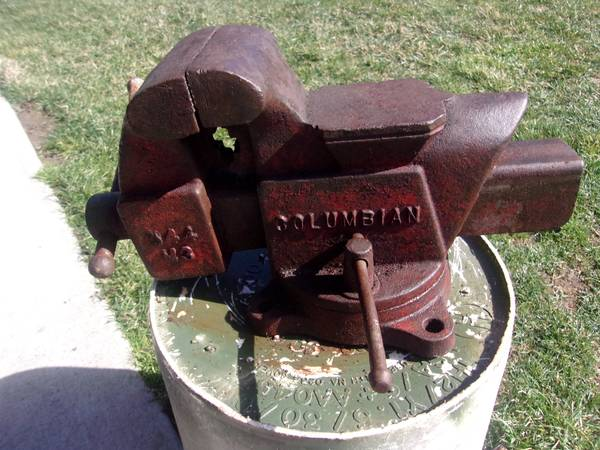 Photo Columbian Vise - $40 (Struthers)