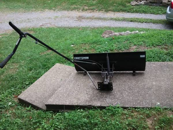 Photo Craftsman Tractor Mower 42quot Snow Blade Plow - $100 (New Castle)