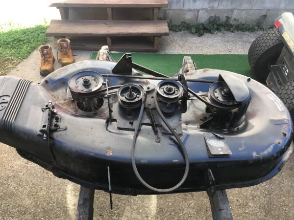 Photo Craftsman mower deck - $30 (Salem)