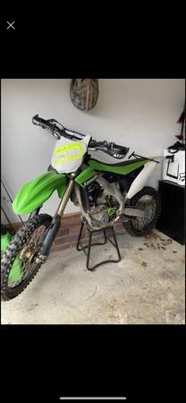 Photo Dirt Bike Kawasaki KX250F - $4,300 (Girard)