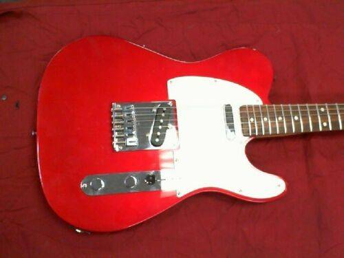 Photo FENDER SQUIER TELECASTER AFFINITY SERIES CHERRY RED - $125 (East Liverpool)
