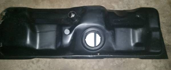 Photo Fuel Tank F14G Gas Fuel Tank Fits Late 90s Ford Pickup NEW IN BOX - $40 (East Palestine)