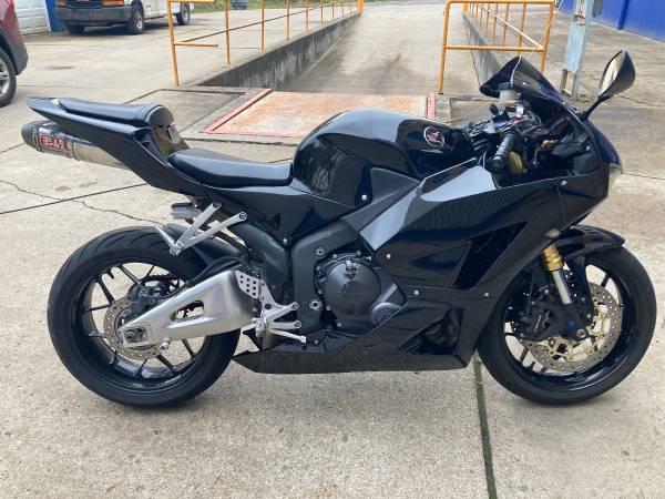 Photo Honda CBR 600 rr - $5,700 (Pittsburgh)