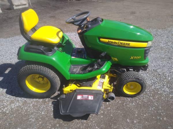 Photo John Deere Garden Tractor - $3,200 (Canfield)