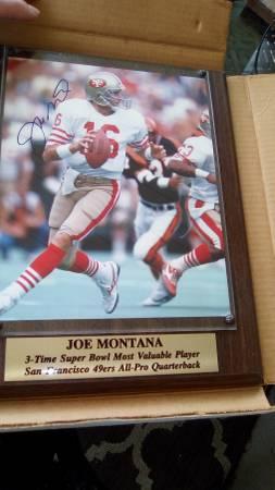 Photo SIGNED JOE MONTANA PLAQUE - $199 (HUBBARD)