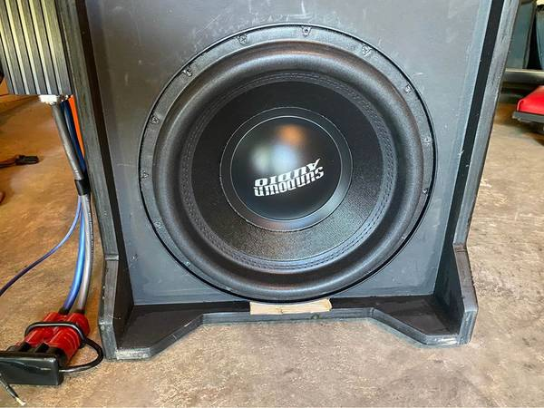 Photo Sundown Audio 12quot Sub and Amp w A Downfiring Ported Box  Wiring - $500 (GIRARD)
