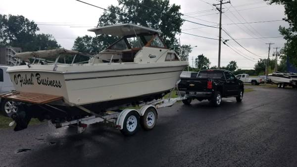 Photo Very clean 23ft lake Erie boat - $5,400 (Newton Falls)