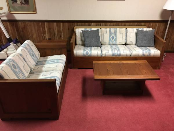 Photo Vintage THIS END UP 5 pc. Living room solid yellow pine - $600 (Canfield)