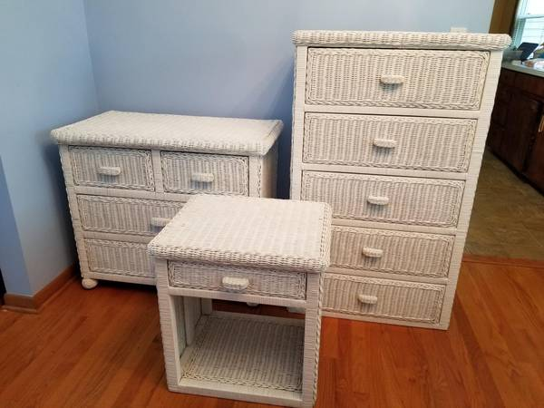 Photo Wicker Bedroom Set - $375 (Boardman)