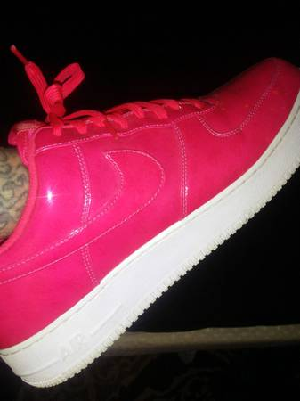 Photo patten leather hot pink air force 1s ..sunactivated - $30 (youngstown)