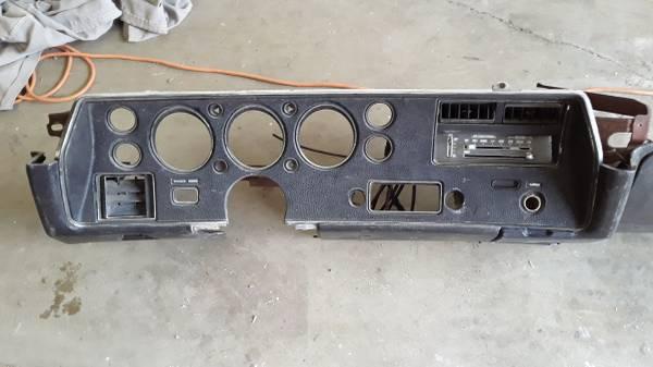 Photo 1972 Chevelle SS Dash - $400 (marysville)