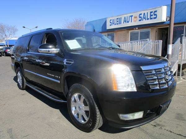 Photo 2009 Cadillac Escalade ESV - AWD - BRAND NEW TIRES - NAVI - REAR CAMERA - DV - $13488 (2009 Cadillac Escalade ESV - AWD - BRAND)