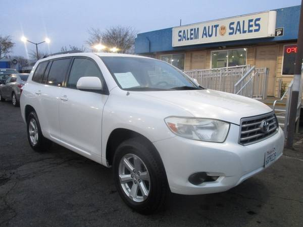 Photo 2009 Toyota Highlander - BRAND NEW TIRES - THIRD ROW SEAT - ROOF RAIL - V6 - $8988 (2009 Toyota Highlander - BRAND NEW TIRES )