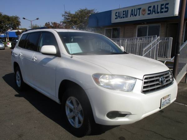 Photo 2010 Toyota Highlander 4WD - LEATHER SEATS - ROOF RAILS - RECENTLY SMOGGED - - $9,988 (2010 Toyota Highlander 4WD - LEATHER SEATS)