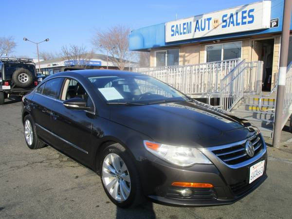 Photo 2010 Volkswagen CC 2.0T - LEATHER AND HEATED SEATS - BLUETOOTH - GOOD ON GAS - $5988 (2010 Volkswagen CC 2.0T - LEATHER AND HEA)
