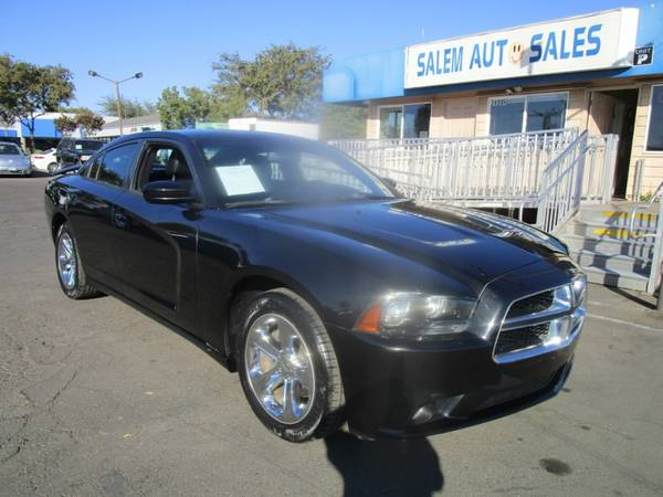 Photo 2011 Dodge Charger - NAVI - REA RCAMERA - NEW TIRES - LEATHER AND HEATED SEA - $12,988 (2011 Dodge Charger - NAVI - REA RCAMERA)