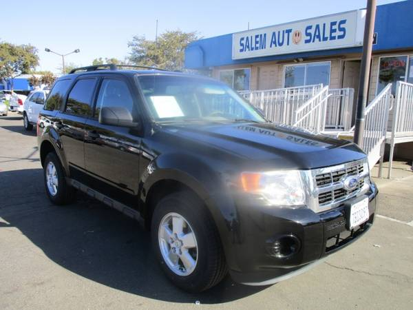 Photo 2012 Ford Escape - NEW TIRES - 28 MPG ON HIGHWAY - AC BLOWS ICE COLD - - $6,488 (2012 Ford Escape - NEW TIRES - 28 MPG)