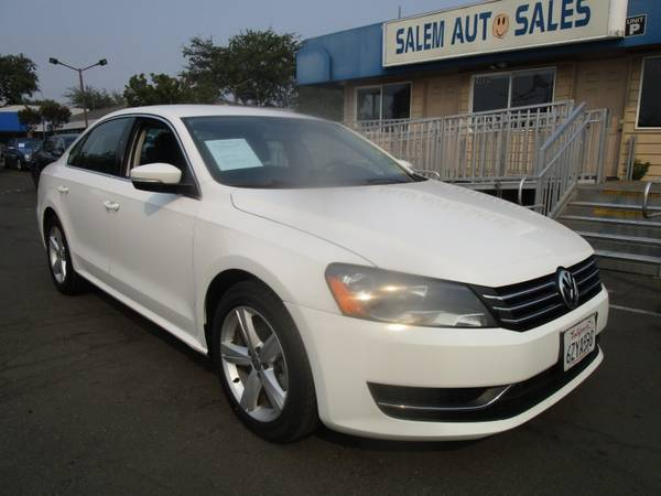 Photo 2013 Volkswagen Passat SE - LEATHER AND HEATED SEATS - GAS SAVER - GREAT COM - $8,988 (2013 Volkswagen Passat SE - LEATHER AND H)